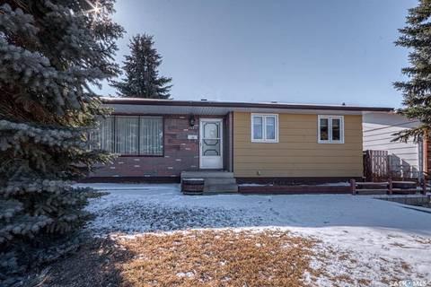 House for sale at 1425 Grandview St W Moose Jaw Saskatchewan - MLS: SK801669