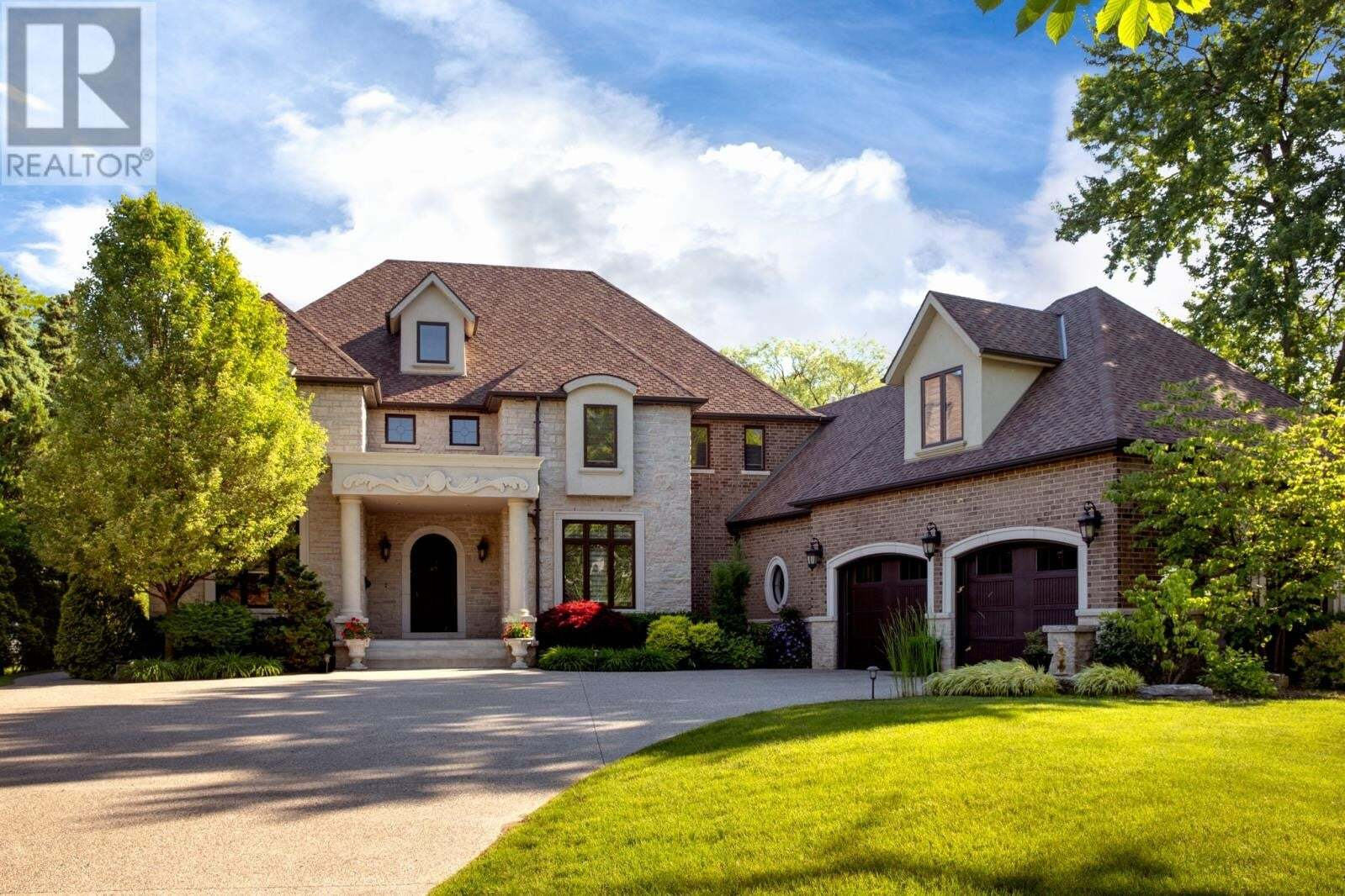House for sale at 14260 Riverside Dr East Tecumseh Ontario - MLS: 20007458