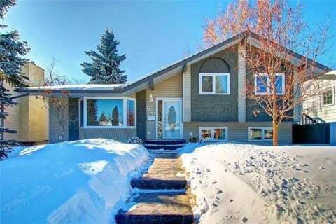 House for sale at 1427 Lake Twintree Wy Southeast Calgary Alberta - MLS: C4299742
