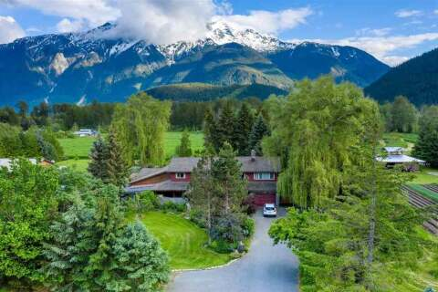 House for sale at 1428 Collins Rd Pemberton British Columbia - MLS: R2504232