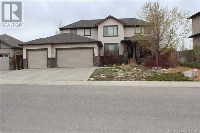House for sale at 143 Canyoncrest Pt West Lethbridge Alberta - MLS: LD0193151