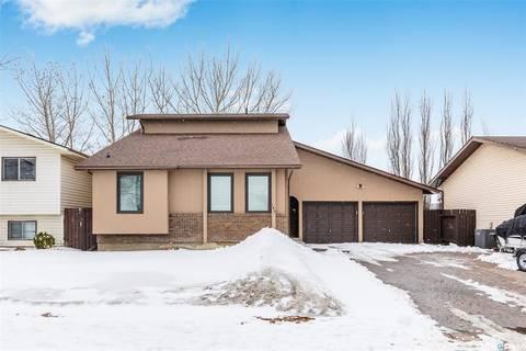House for sale at 143 Hunt Rd Saskatoon Saskatchewan - MLS: SK803831