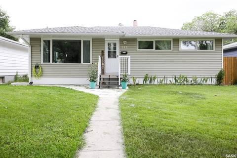 House for sale at 143 Rae St Regina Saskatchewan - MLS: SK779300