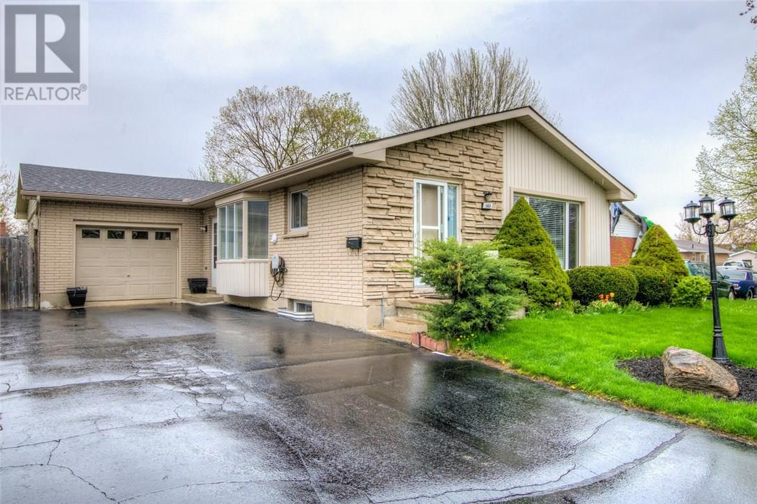 For Sale: 143 Wexford Avenue, London, ON   3 Bed, 2 Bath House for $299,900. See 29 photos!