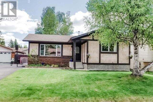 House for sale at 1431 54 St Edson Alberta - MLS: 52654