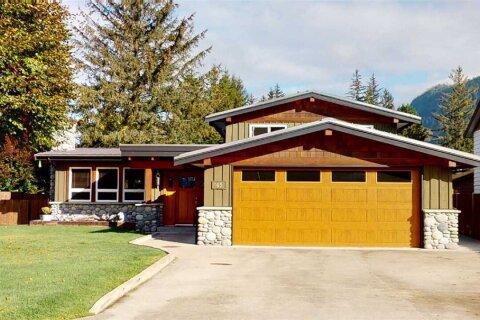House for sale at 1431 Maple Cres Squamish British Columbia - MLS: R2510928