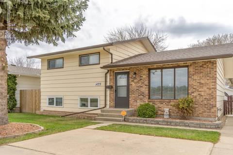 House for sale at 1433 Caribou St W Moose Jaw Saskatchewan - MLS: SK762184