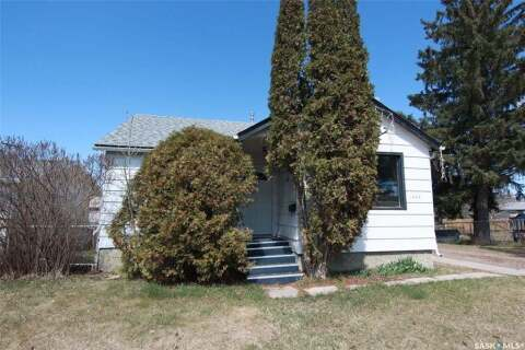 House for sale at 1434 13th St W Prince Albert Saskatchewan - MLS: SK808439