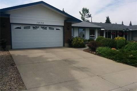 House for sale at 1435 Lake Bonavista Dr Southeast Calgary Alberta - MLS: C4232320