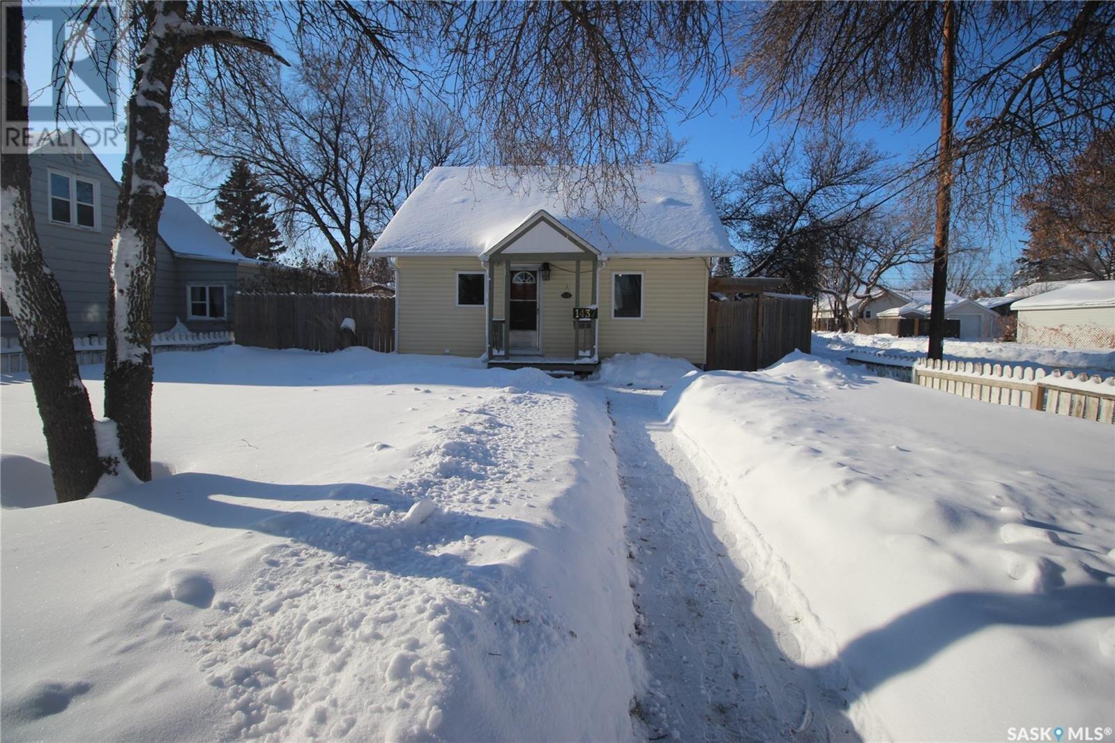 House for sale at 1437 C Ave N Saskatoon Saskatchewan - MLS: SK833628