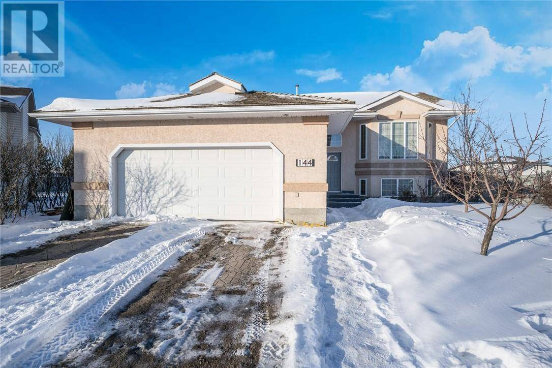House for sale at 144 Burton Pl Fort Mcmurray Alberta - MLS: fm0188836
