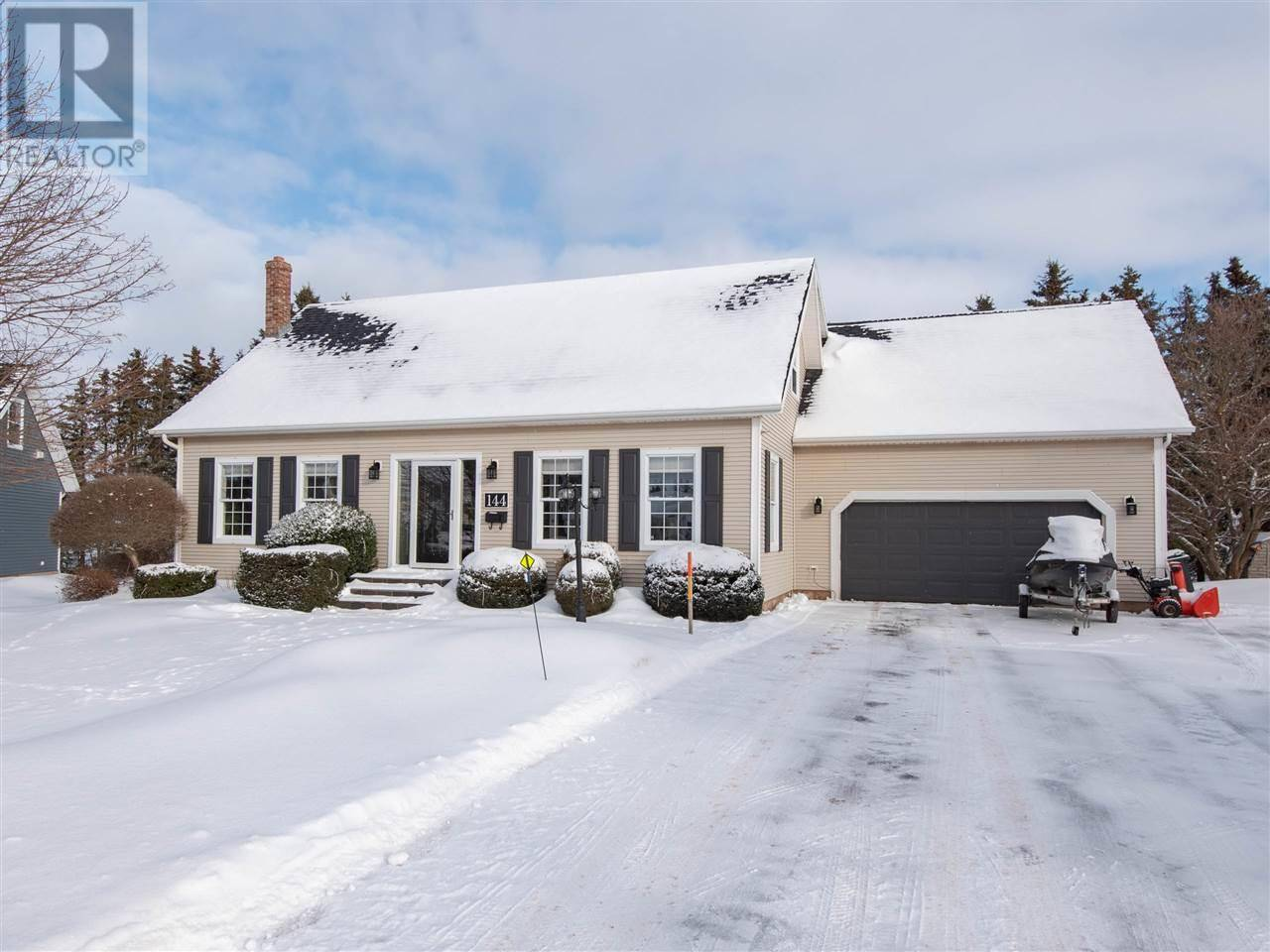 House for sale at 144 Greensview Dr Stratford Prince Edward Island - MLS: 201925762