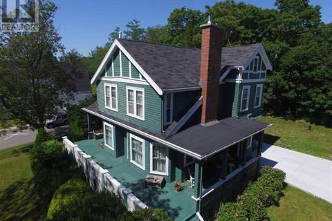 House for sale at 144 Hammond St Shelburne Nova Scotia - MLS: 201818543
