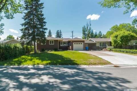 House for sale at 144 Riddell Cres Regina Saskatchewan - MLS: SK815454