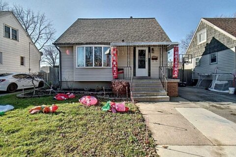 House for sale at 1441 Francois Rd Windsor Ontario - MLS: X5002563