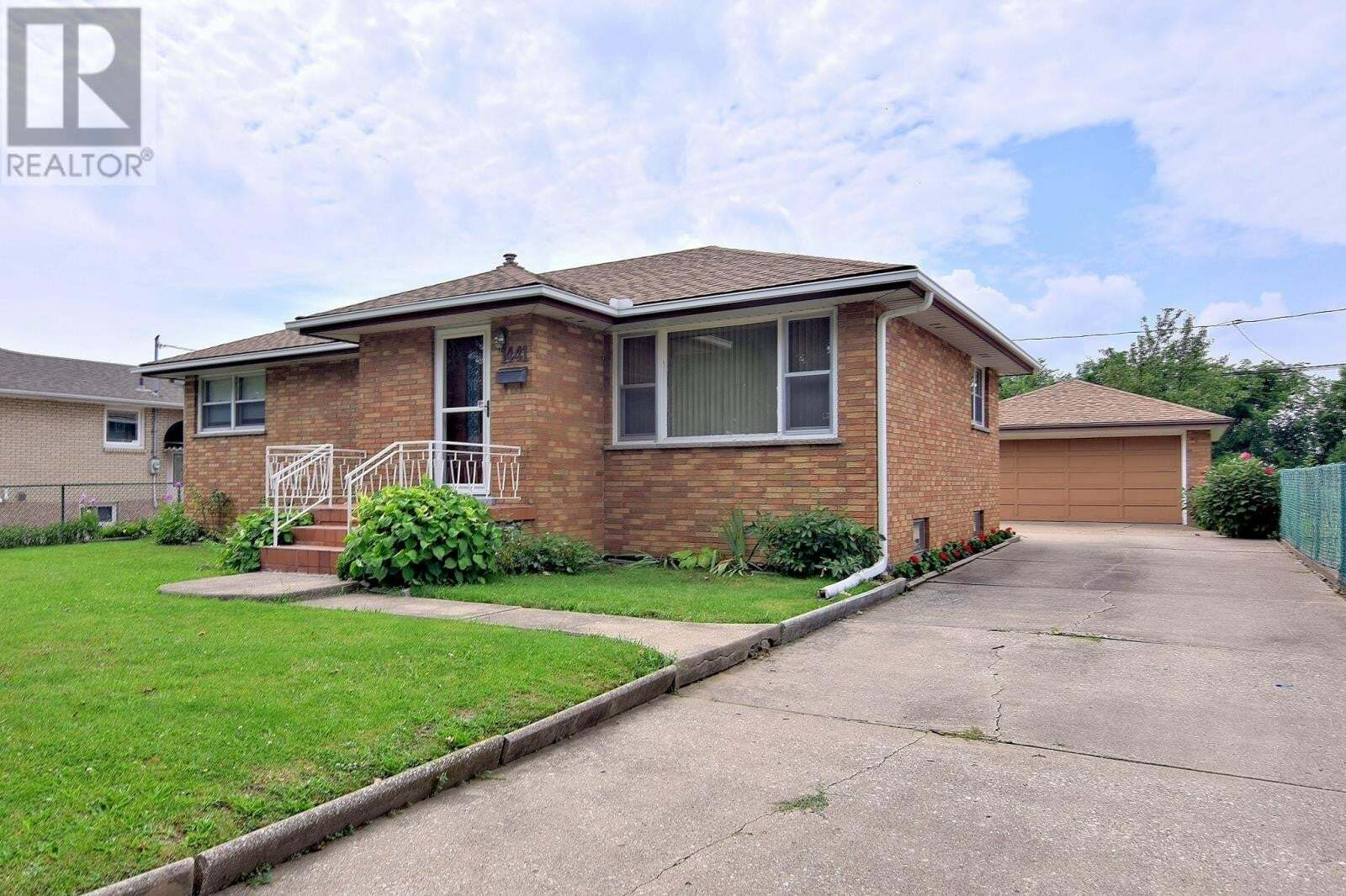 House for sale at 1441 Partington  Windsor Ontario - MLS: 20010073