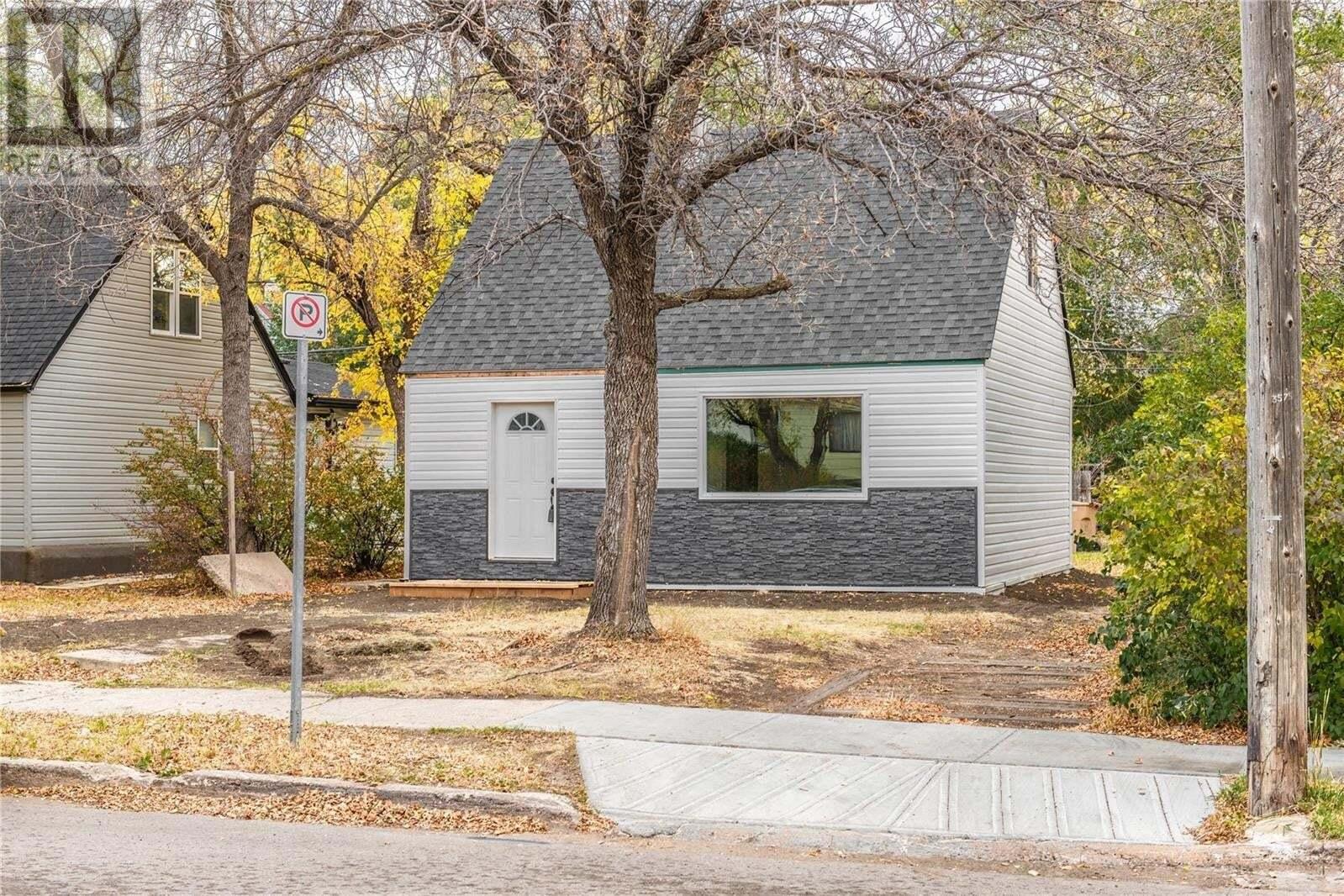 House for sale at 1441 Pasqua St Regina Saskatchewan - MLS: SK828580