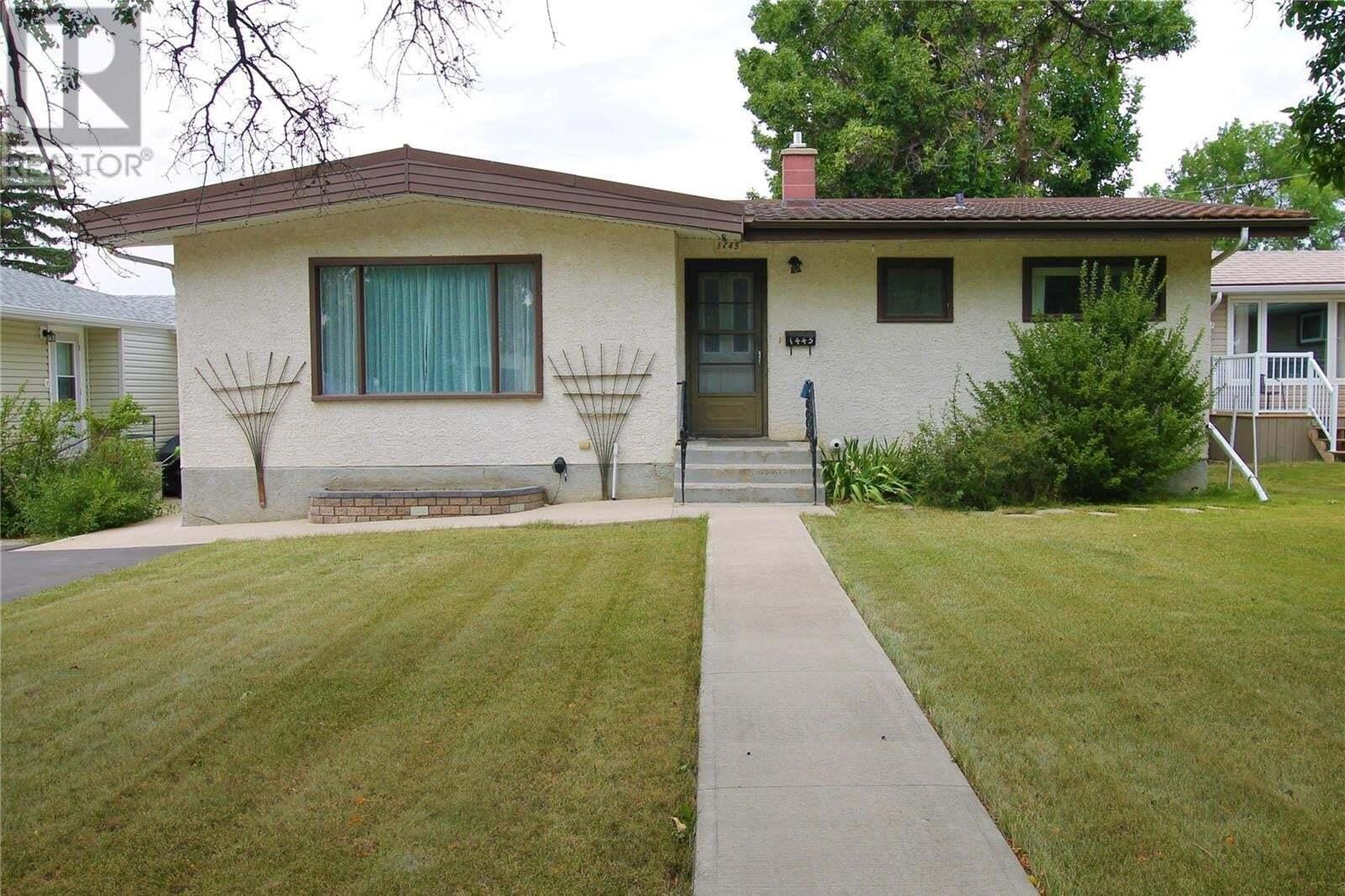 House for sale at 1445 Ashley Dr Swift Current Saskatchewan - MLS: SK821772
