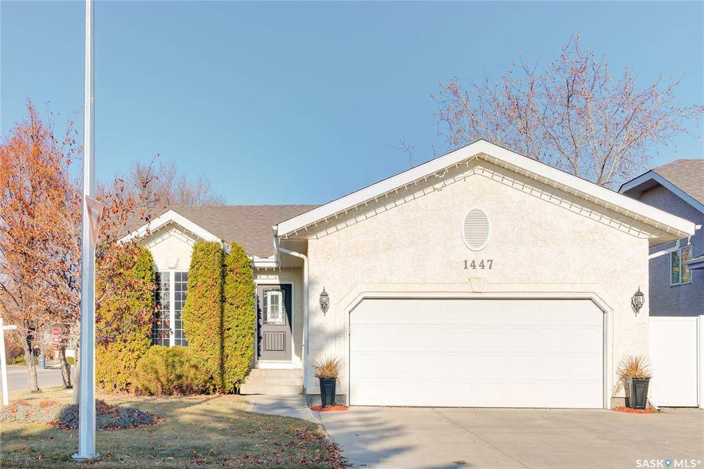 House for sale at 1447 Fairbrother Cres Saskatoon Saskatchewan - MLS: SK792942