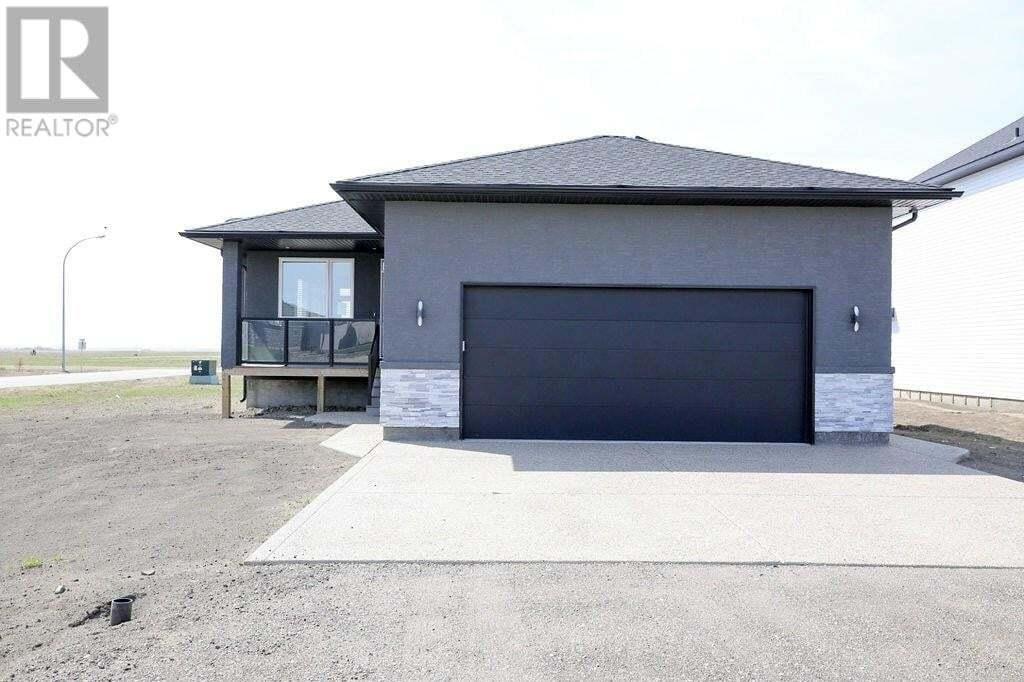 House for sale at 145 Fawn Ridge Cres Lumsden Saskatchewan - MLS: SK810350