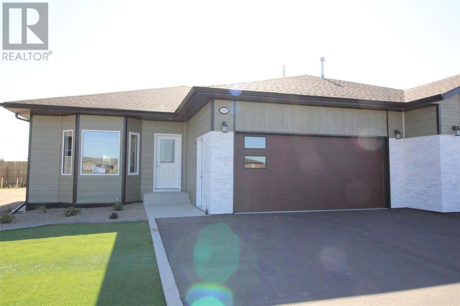 Townhouse for sale at 145 Heritage Landing Cres Battleford Saskatchewan - MLS: SK821005
