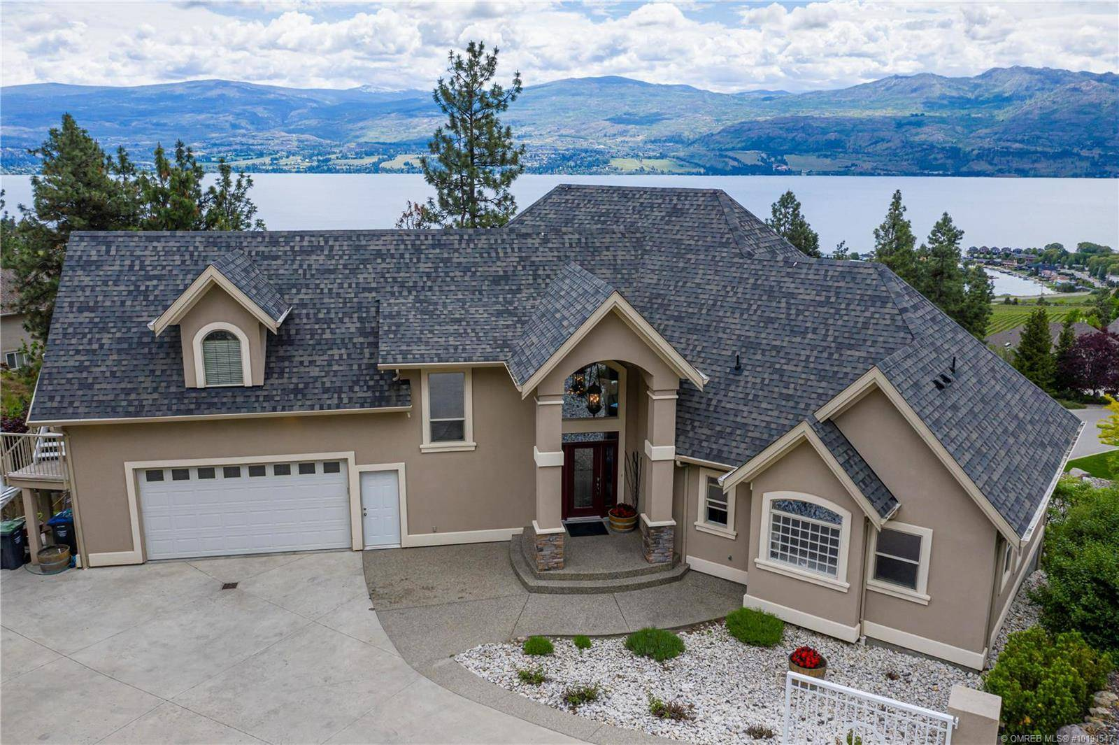 Home for sale at 1450 Gregory Rd West Kelowna British Columbia - MLS: 10191547