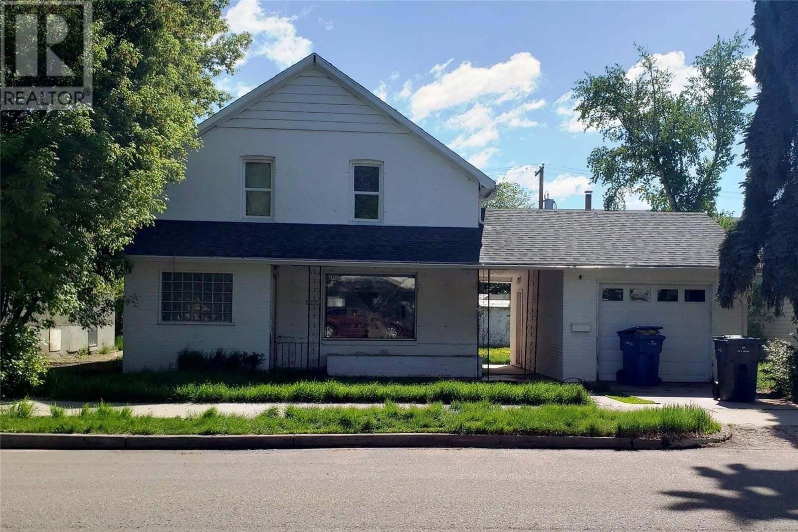 House for sale at 1452 101st St North Battleford Saskatchewan - MLS: SK810125