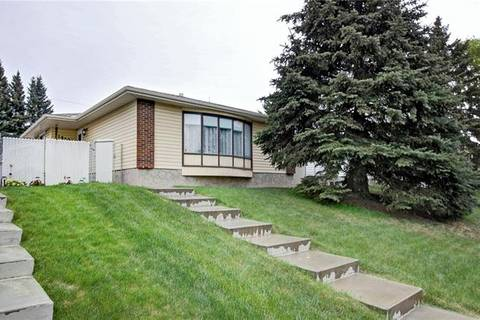 House for sale at 1452 43 St Northeast Calgary Alberta - MLS: C4292960