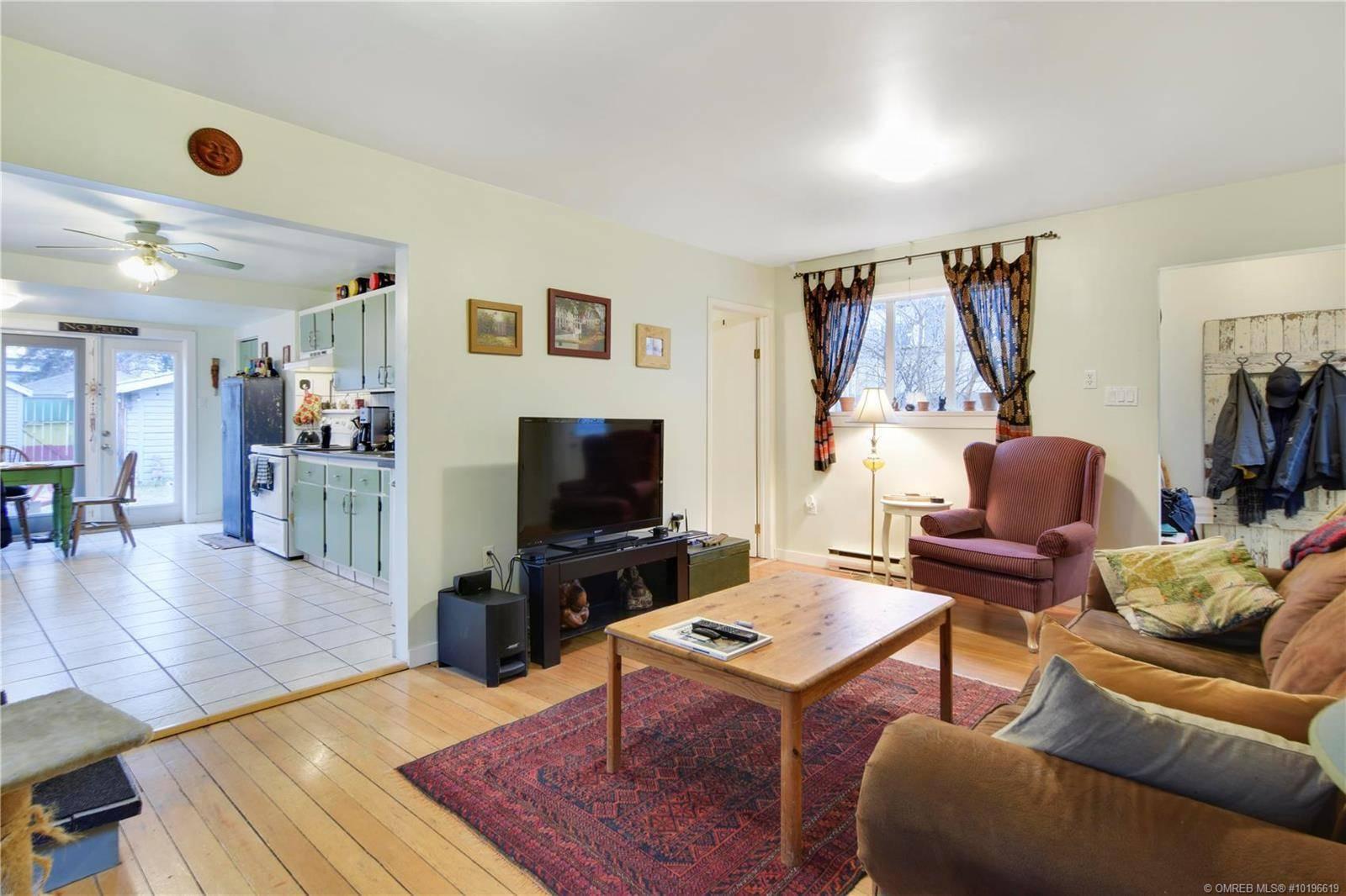 House for sale at 1455 Graham St Kelowna British Columbia - MLS: 10196619
