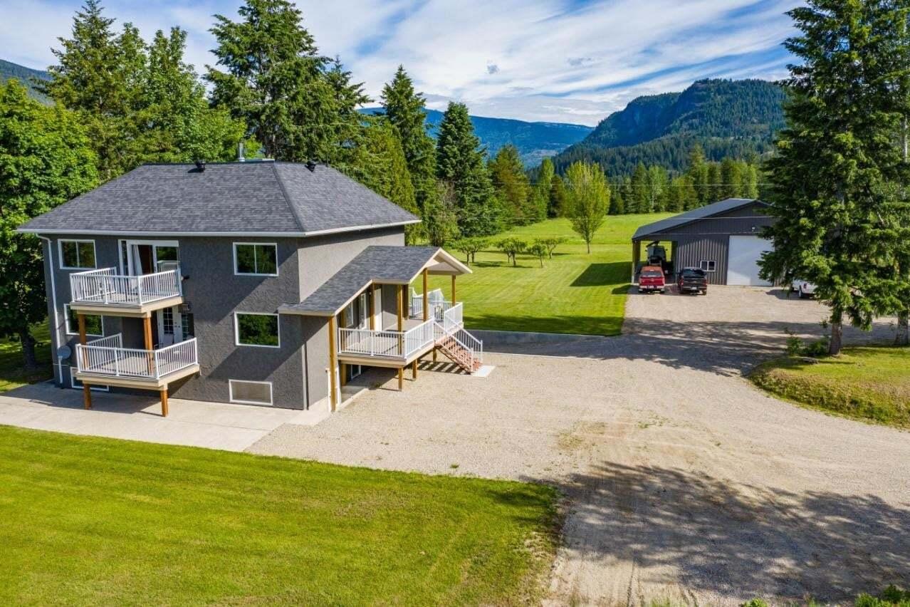 House for sale at 1457 Pass Creek Road  Castlegar British Columbia - MLS: 2452683