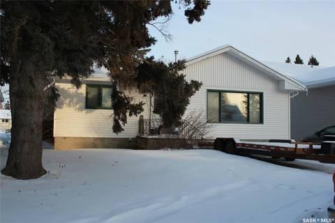 House for sale at 146 4th St W St. Walburg Saskatchewan - MLS: SK801447