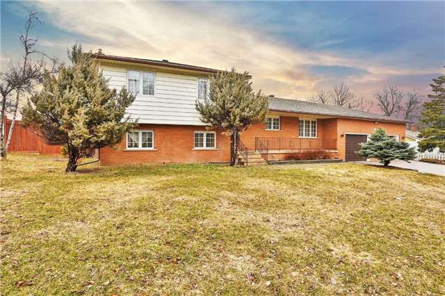 For Sale: 146 Harvie Road, Barrie, ON   2 Bed, 2 Bath House for $649,900. See 9 photos!