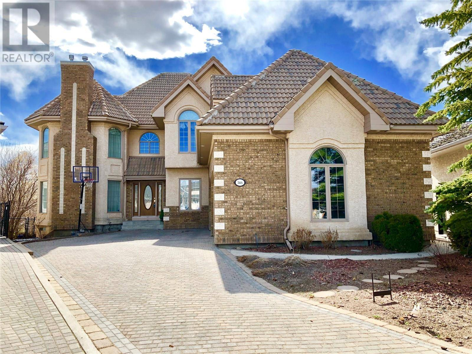 House for sale at 146 Hinitt Pl Saskatoon Saskatchewan - MLS: SK781471