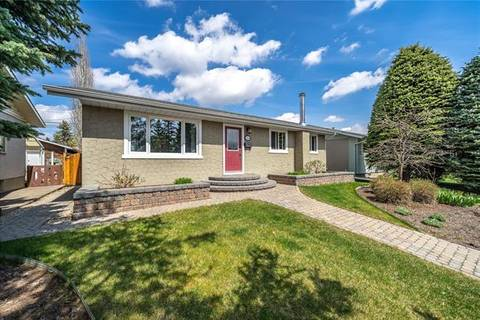 146 Marwood Circle Northeast, Calgary | Image 2
