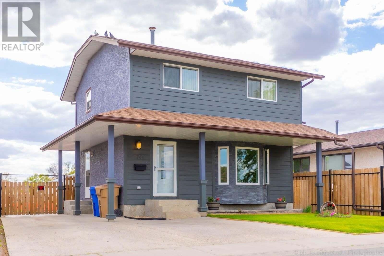 House for sale at 146 Petersmeyer St Regina Saskatchewan - MLS: SK809820