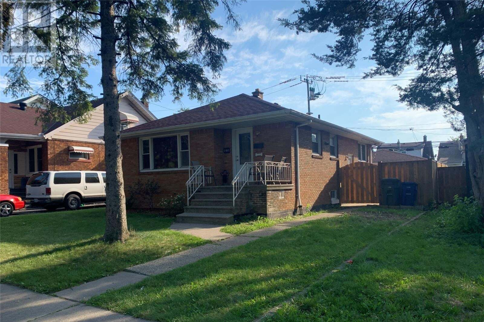 House for sale at 1461 York  Windsor Ontario - MLS: 20010324