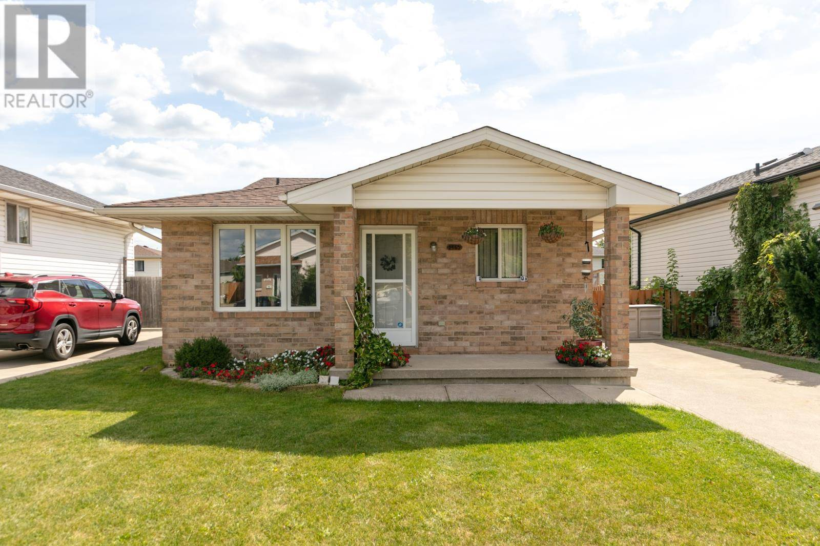 House for sale at 1465 Foster  Windsor Ontario - MLS: 19027035