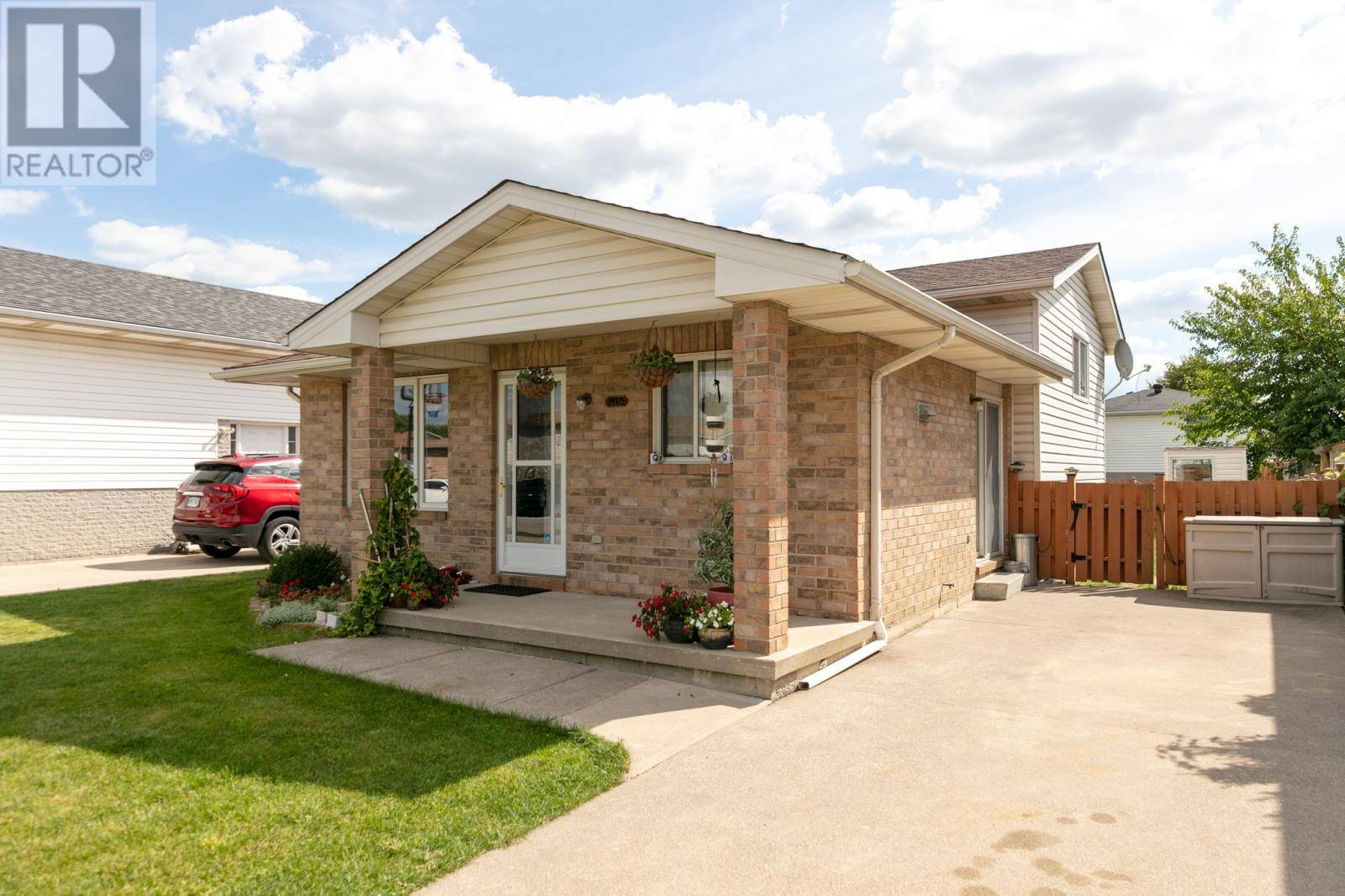 House for sale at 1465 Foster  Windsor Ontario - MLS: 19028634