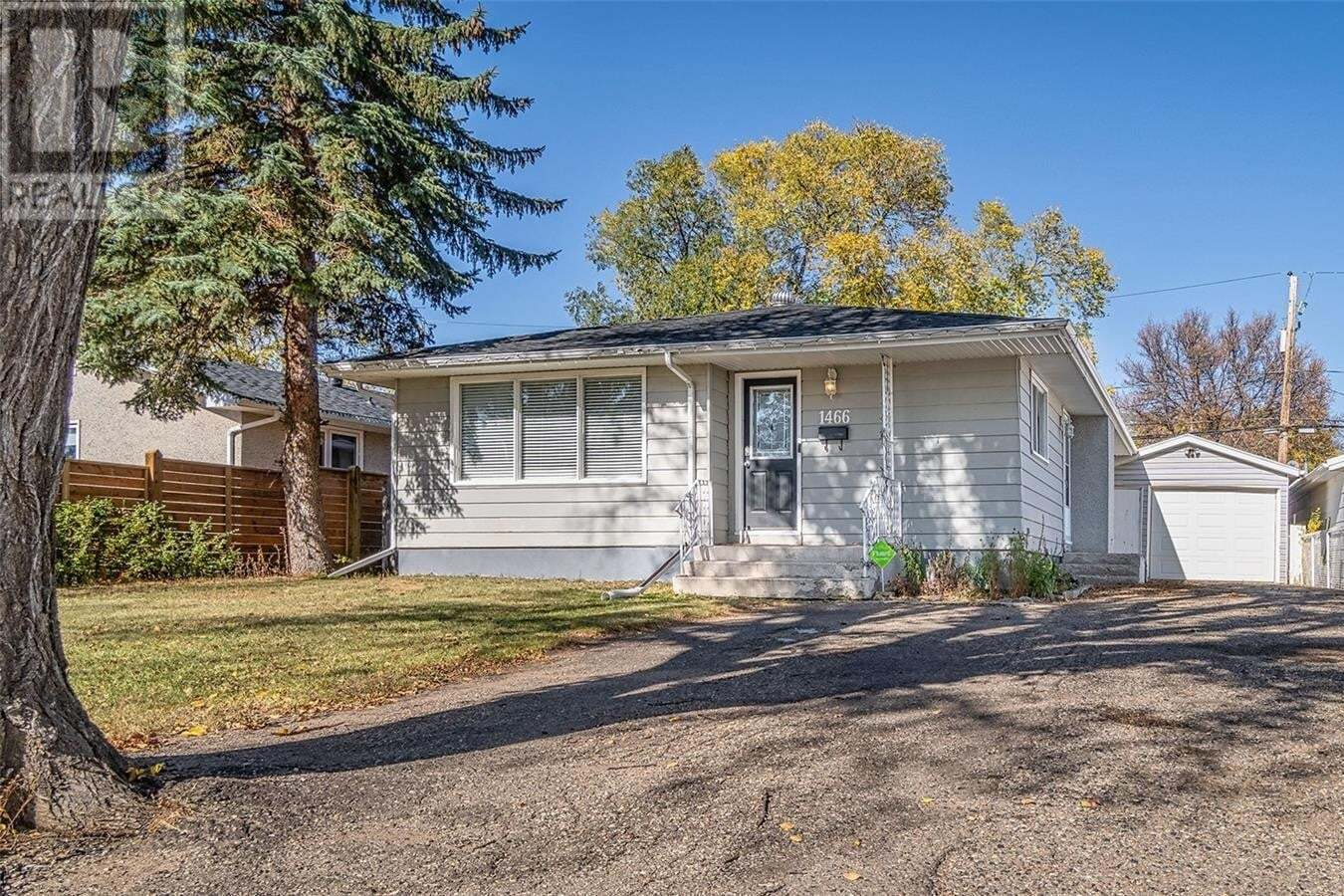 House for sale at 1466 Grace St Moose Jaw Saskatchewan - MLS: SK828849