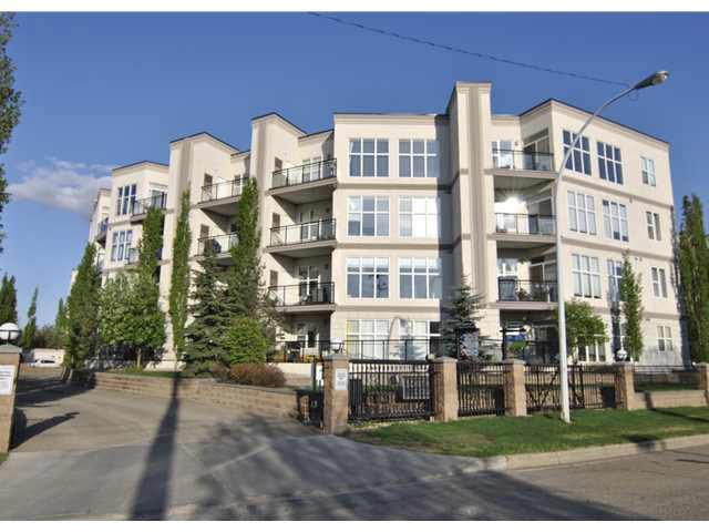 Buliding: 4827 104a Street, Edmonton, AB