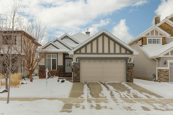 For Sale: 147 Caldwell Way, Edmonton, AB   2 Bed, 2 Bath House for $600,000. See 29 photos!