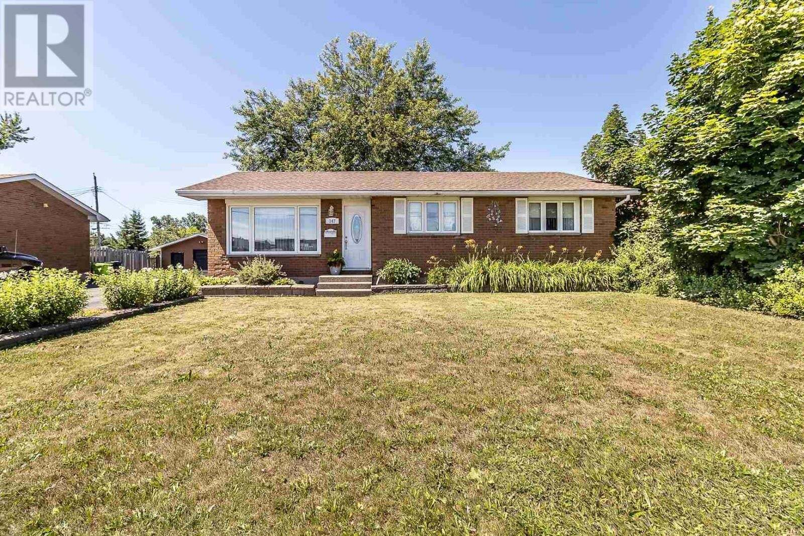 House for sale at 147 Sackville Rd Sault Ste. Marie Ontario - MLS: SM129310