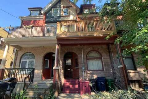 Townhouse for sale at 147 Seaton St Toronto Ontario - MLS: C4874181