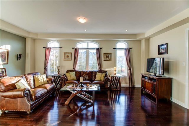 Sold: 147 Worthview Drive, Vaughan, ON