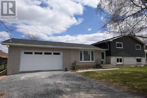 House for sale at 1476 Woodfield Cres Westbrook Ontario - MLS: K19003016