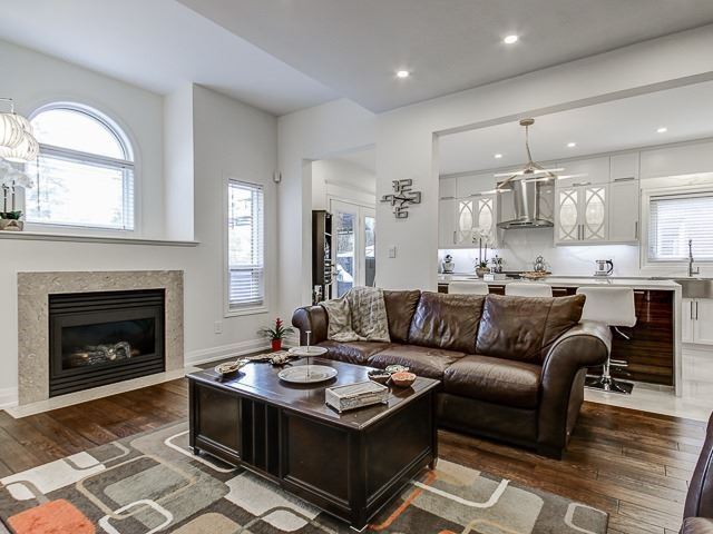 For Sale: 148 Bothwell Crescent, Newmarket, ON | 4 Bed, 3 Bath House for $1,268,000. See 20 photos!