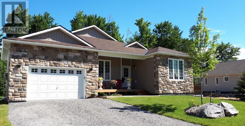 For Sale: 148 Pineridge Gate, Gravenhurst, ON   2 Bed, 2 Bath Home for $549,000. See 24 photos!