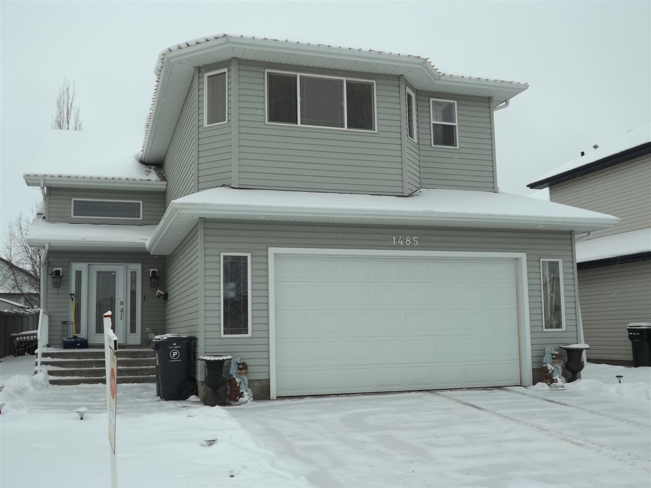 For Sale: 1485 Highwood Boulevard, Devon, AB | 4 Bed, 3 Bath House for $425,900. See 17 photos!