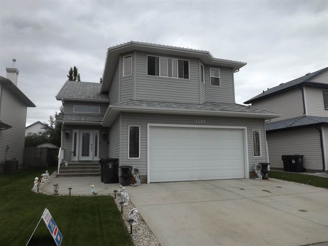 For Sale: 1485 Highwood Boulevard, Devon, AB | 4 Bed, 3 Bath House for $422,900. See 19 photos!