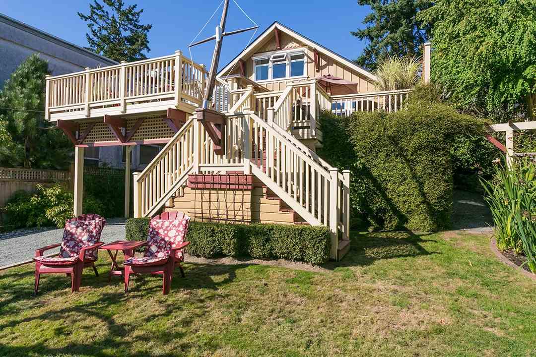 Sold: 14856 Buena Vista Avenue, White Rock, BC